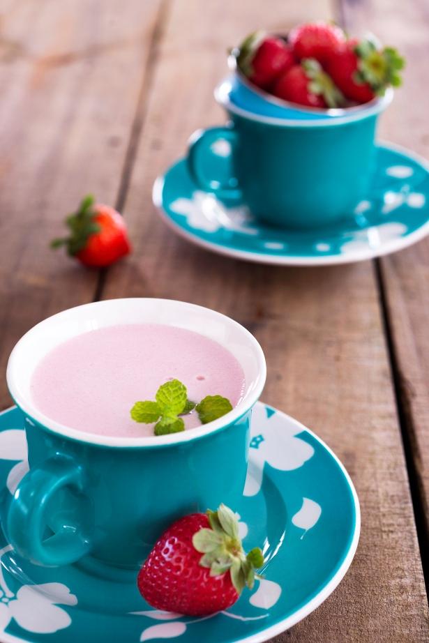 chá de morango cremoso